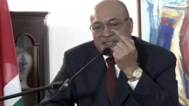 Bouterse: 'God heeft mij president gemaakt, dus een rechter haalt mij hier niet weg,'