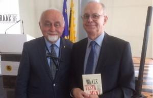 Jan Peumans (N-VA) ontving als voorzitter ven het Vlaams Parlement Jules Gheude bij de voorstelling van zijn boek 'Waals testament'.