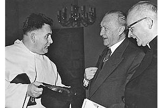Spekpater bij Adenauer