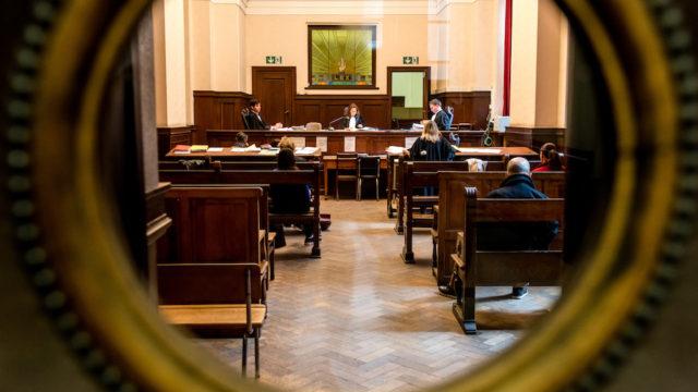 rechtbank brussel moeders