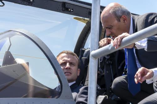 Macron in een Rafale