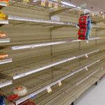 Lege winkelrekken na onnodig hamstergedrag