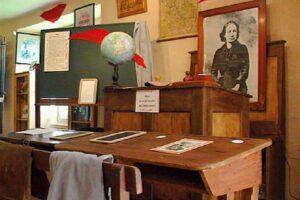 Musée-école Louise Michel