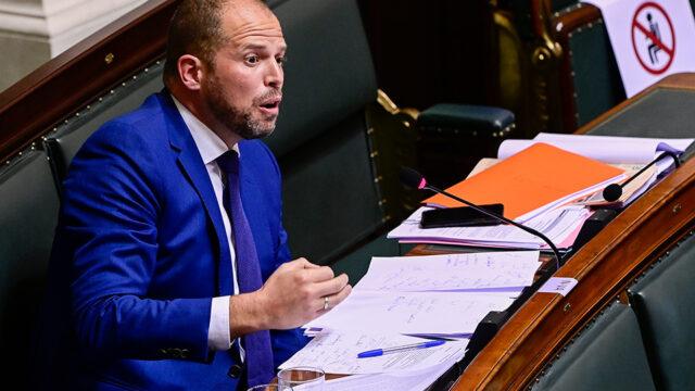 Theo Francken reageert op het asielbeleid van Sammy Mahdi